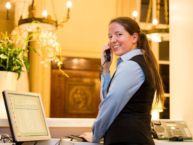 At Hotel Navarra Bruges, our friendly and professional team is ready to serve you with a smile.