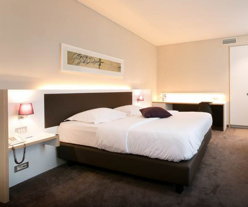 Our personal service, outstanding location and leisure facilities make 4-star Hotel Navarra in Bruges an excellent choice for meetings or business visits.