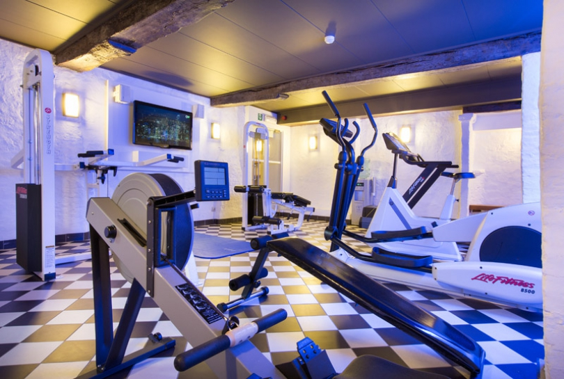 Enjoy the energy your body releases during a brisk workout with our gym equipment.