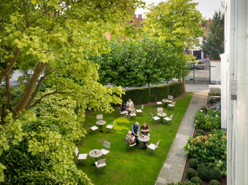 The garden and terrace of our hotel in Bruges are best described as an oasis of calm in the heart of Bruges.