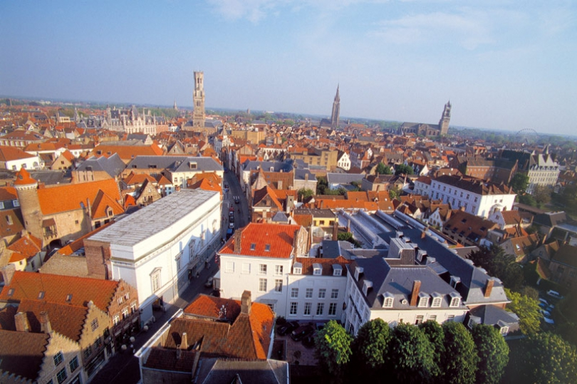 Although our hotel in Bruges has a private car park, many guests travel to Bruges by train, plane or coach.