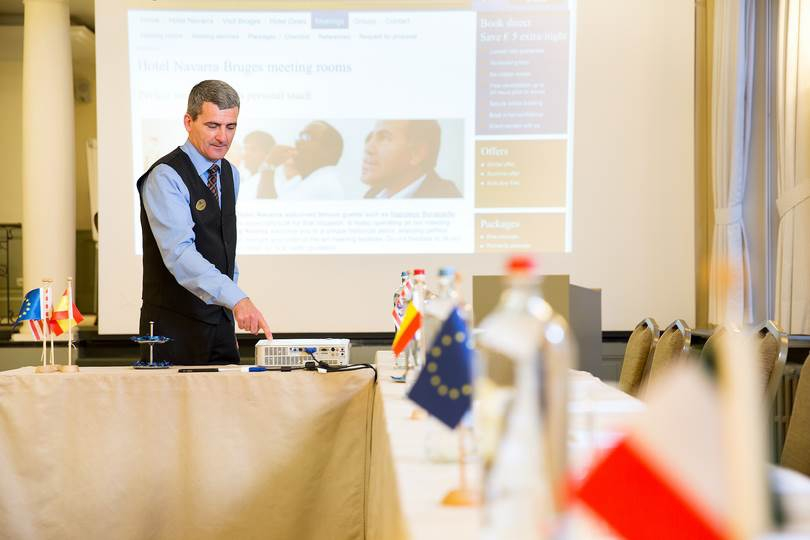 If you rent a meeting room from us, you will receive a warm and very personal welcome from your meeting butler.